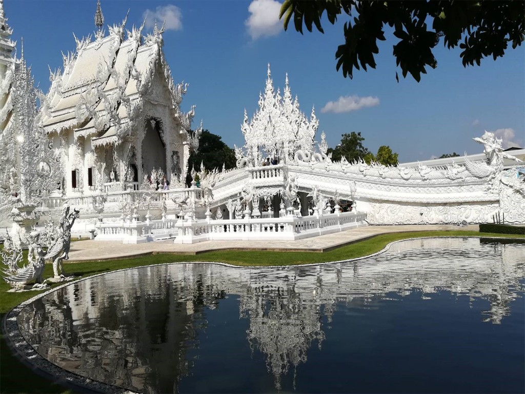 White Temple - Black House - Blue Temple One Day Trip