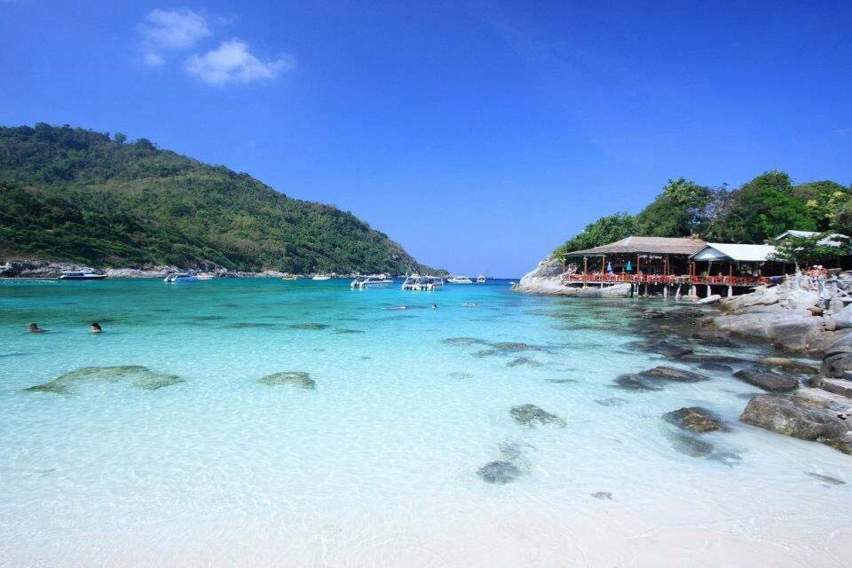 Racha Island Tour by Speedboat