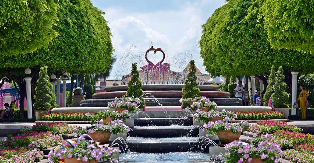 Dream World Bangkok Love Garden
